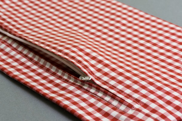 Bio Kissenbezug 20x30cm | rot-weiß Detail